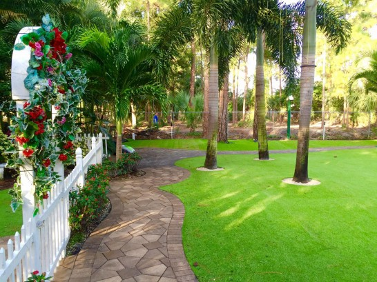 Artificial Grass Photos: Green Lawn Rotonda, Florida Landscaping Business, Recreational Areas