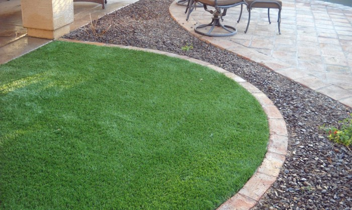 Synthetic Grass for Landscape Lawns Miami, Florida